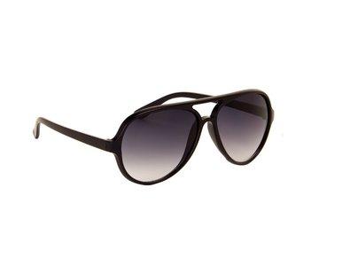 Gepolariseerde heren zonnebril   Zwart met donkergrijze glazen   140 MM