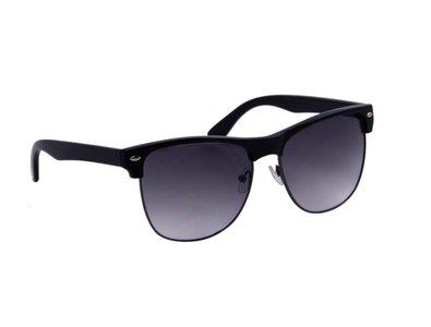 Gepolariseerde zonnebril   Zwart   Donkergrijze glazen   147 MM